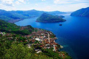 panorama lago 300x199 - Monte Isola, scorci di suggestione tra l'azzurro e il verde